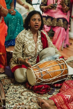 Mehndi party Dhol player capture.