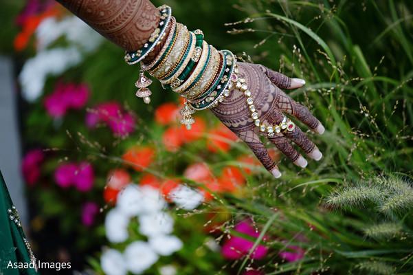 indian bride,indian wedding ceremony fashion,bridal mehndi
