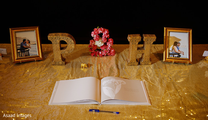 Marvelous Indian wedding guests book decoration table.