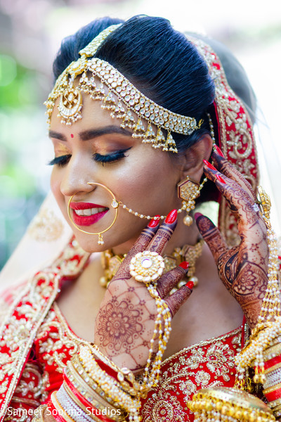 indian bride,maharani,venue,mehndi