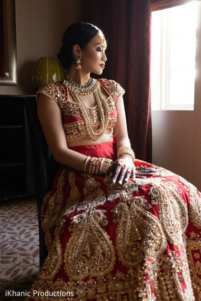 Elegant Indian bridal ceremony look.