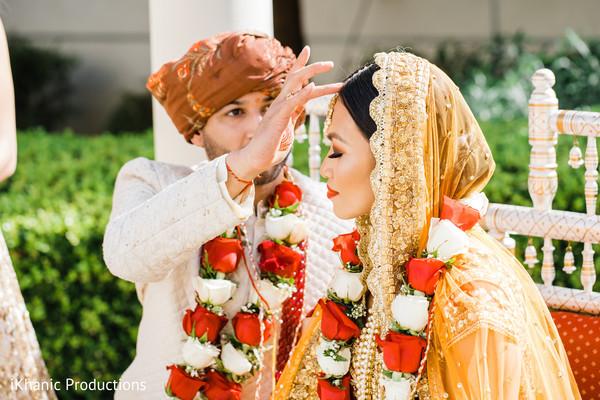 indian bride,indian wedding ceremony,indian groom,indian wedding ritual