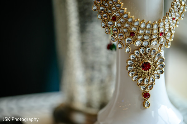 Stunning Indian bridal Polki necklace choker.