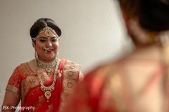 Dazzling Indian bride capture.