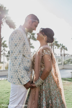 See this lovely capture of Indian newlyweds