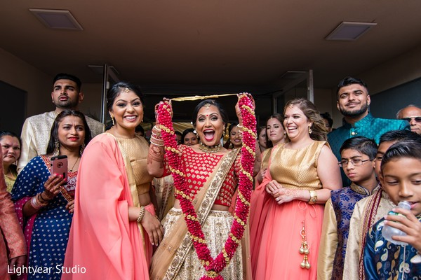 Fun capture of Maharani and bridesmaids
