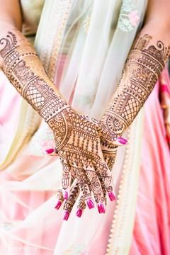 Precious Indian bridal henna art.