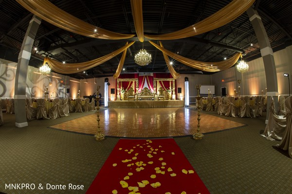 Marvelous Indian wedding reception decoration.