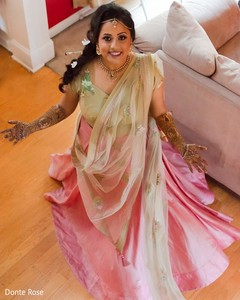 Marvelous capture of maharani at her mehndi party.