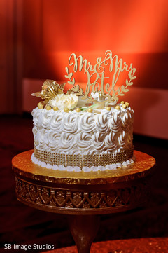 Detail of the delicious Indian wedding cake