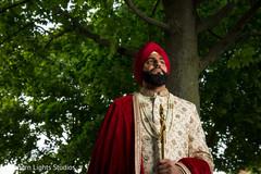 Marvelous Indian groom's capture.
