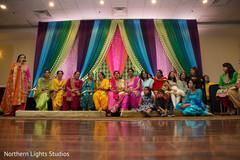 Wonderful Indian Sangeet photography.