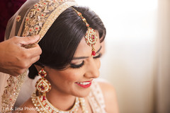 See this gorgeous Maharani getting ready for the ceremony