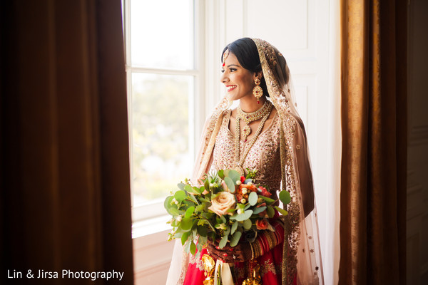 indian bride,maharani,venue,bouquet