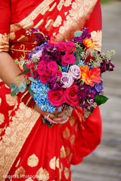 See this dazzling bridal bouquet