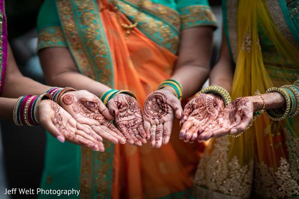 indian bridesmaids,indian bride,mehndi,henna art
