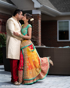 Enchanting Indian lovebirds on their ceremony outfits.
