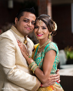 Marvelous Indian lovebirds portrait .