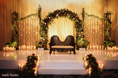 Magnificent Indian wedding stage capture.