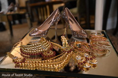 Incredible Indian bridal jewelry and shoes capture.