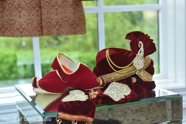 indian groom's accessories,turban,mojari