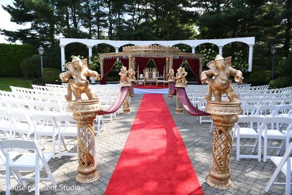 indian wedding ceremony,mandap,elephants decor,aisle decor