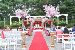 Marvelous Indian wedding ceremony flowers decor.