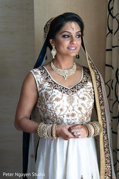 Enchanting Indian bride photo.