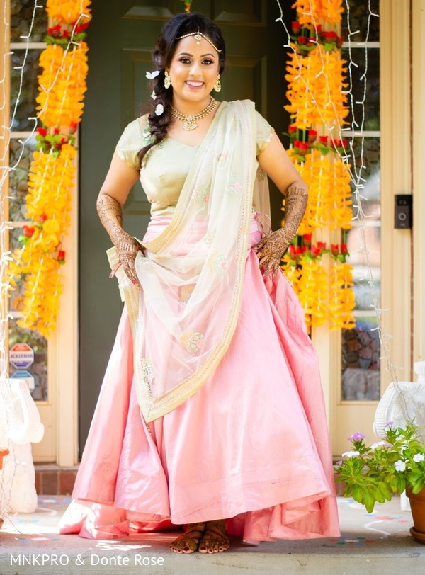 Enchanting maharani's capture at her mehndi party.