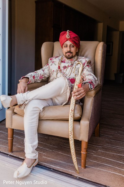 Magnificent Indian groom's ceremony outfit.