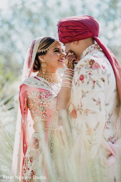 Graceful Indian couple photo session.