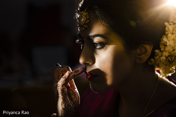 Talented capture of Maharani getting ready