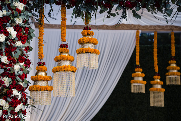 Dazzling Indian wedding decor details