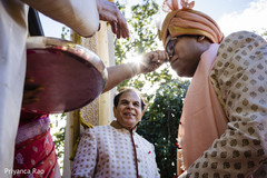 See this Indian groom being blessed by guests