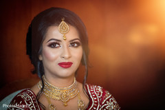 Enchanting Indian bride with her ceremony jewelry.