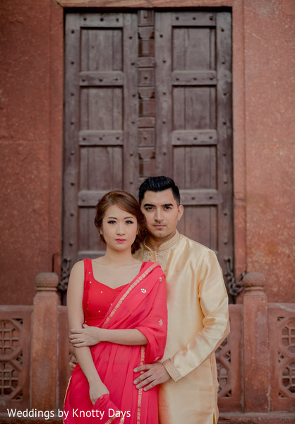 See this elegant lovebirds posing for pictures
