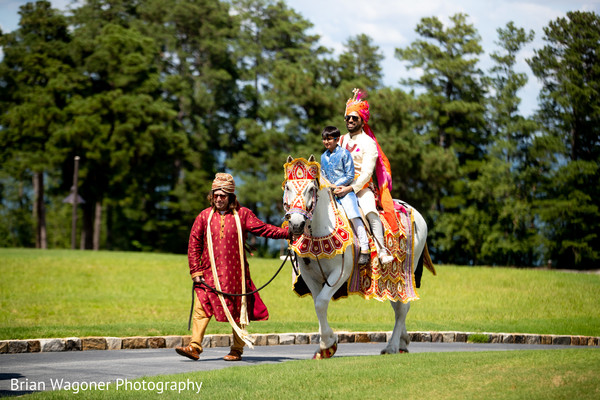 See this elegant Indian groom during the baraat