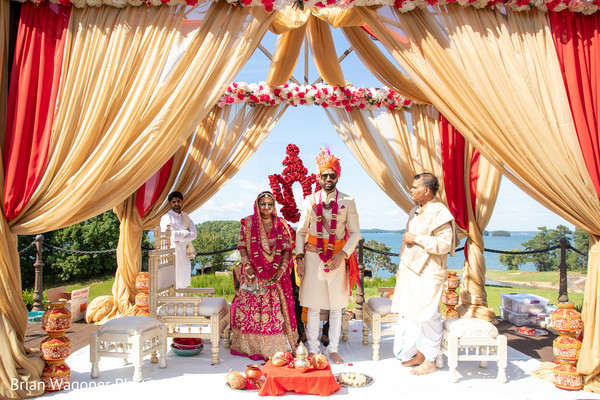 Overview of the Indian newlyweds under the mandap