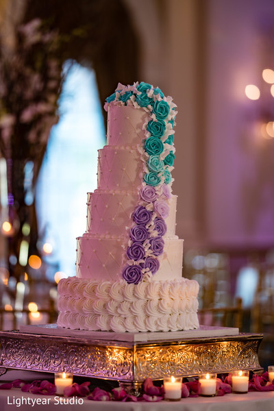 Incredible Indian wedding cake decoration.