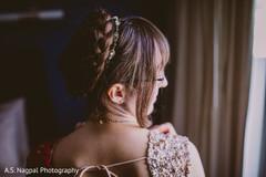 Stylish Indian bridal hair capture.