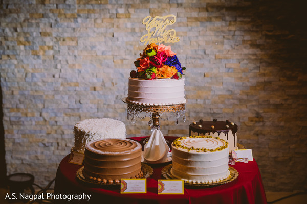 Magnificent Indian wedding cakes photo .