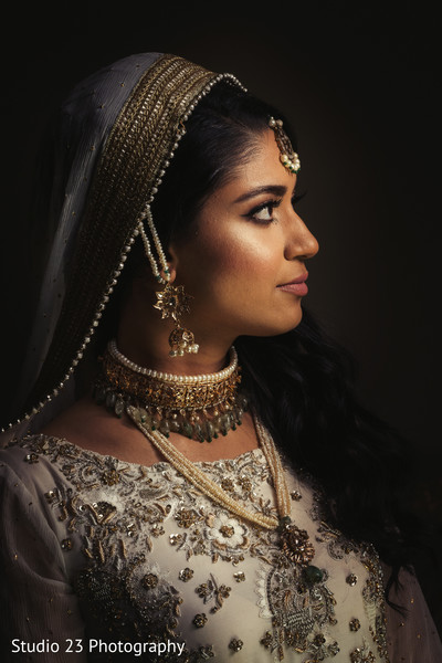 Beautiful portrait of Indian bride