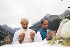 Spiritual moment of Raja during the ceremony