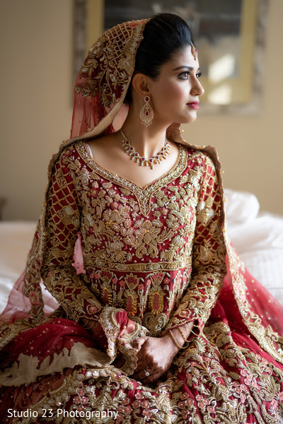 Indian bride wearing the stunning lengha