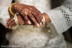 See this beautiful mehndi design from Maharani