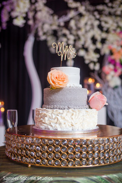 See this dazzling Indian wedding cake