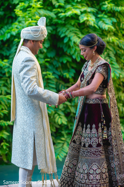 Indian bride and groom first glance