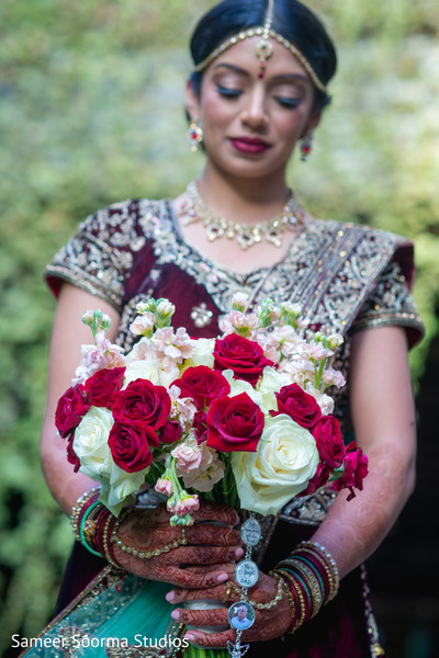 Bouquet details of the Indian bride