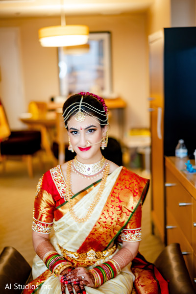 Incredible capture of maharani on her ceremony outfit.