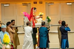 Stunning Maharani's entrance to ceremony on a palanquin.